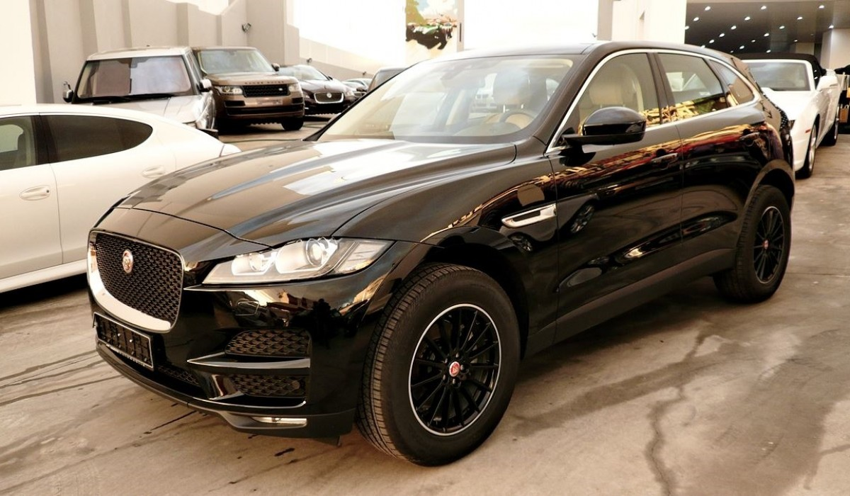 jaguar f pace 20d awd prestige 2017 model platinum auto. Black Bedroom Furniture Sets. Home Design Ideas